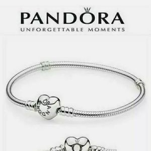 Pandora moments sterling silver heart clasp snake